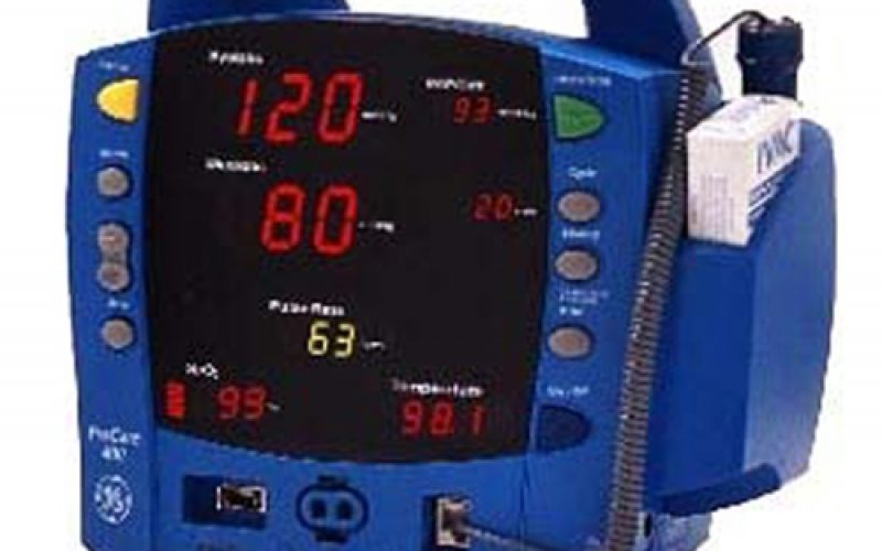 GE Dinamap Procare 400 NIBP Monitor Featuring Battery Back Up